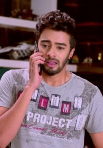 When Vikranth Pleads With Aarthi She Asks Him To Forget About Her. What Will Vicky Do Now