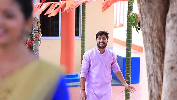 A Happy Still Of Shivu Looking At Hiranmayi