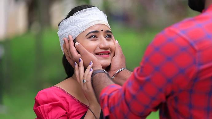 A Still Of An Ecstatic Belli And Muttu