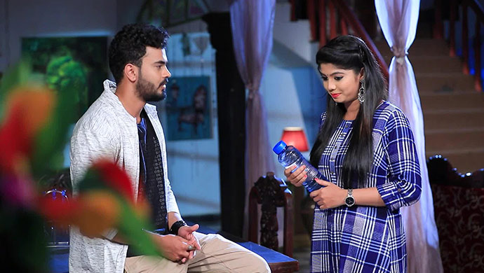 A Still Of Gautham And Aishu