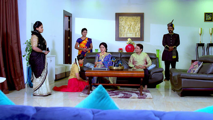 A Still Of The Cast Of Paaru
