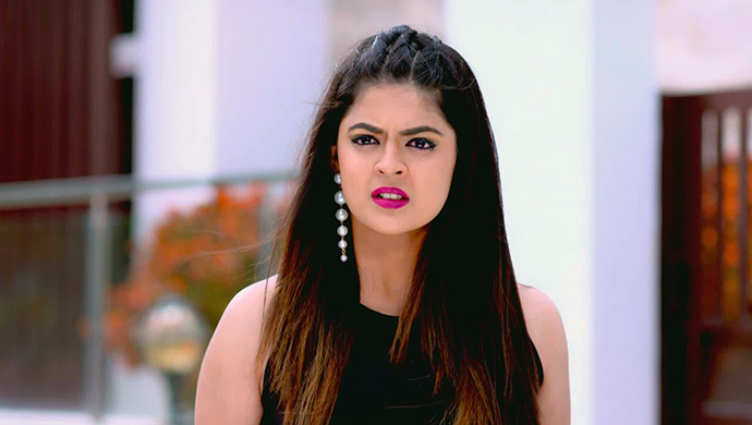 Anushka Stands Shocked When She Learns Of Adi And Paaru's Little Village Trip
