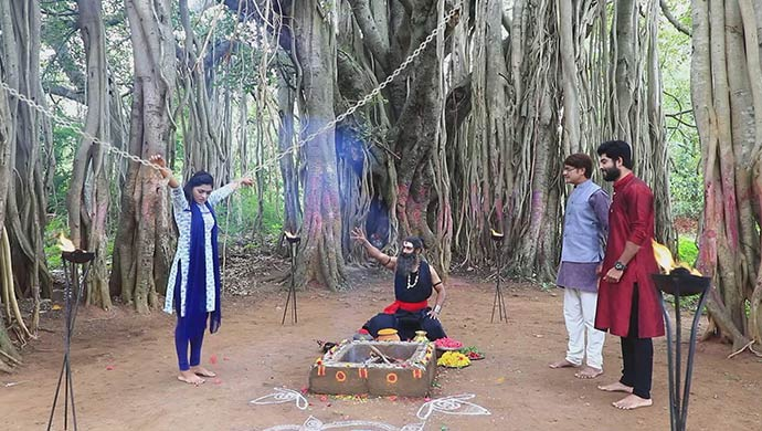 A Still From The Show Naagini