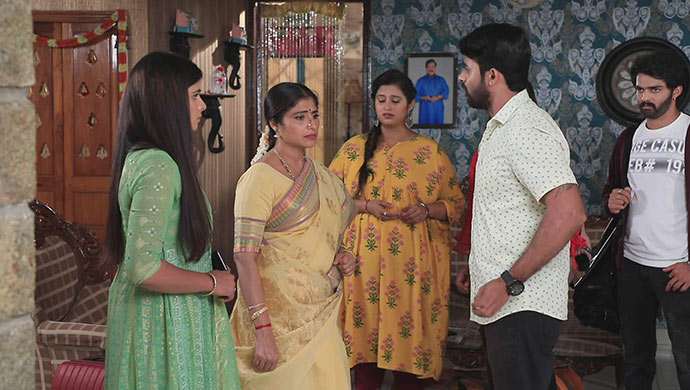 A Still Of Pinky, Sumathi, Geetha, Gatta And Lucky