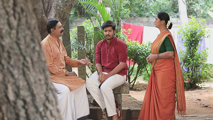 A Still Of Varadharaj, Shivu And Vaidehi