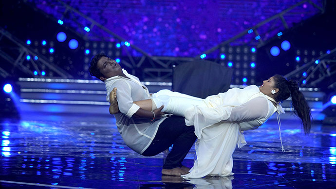 An Exclusive Still Of Suraj And Minchu