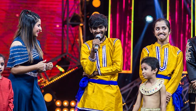 Anushree Has Some Hilarious Moments With Hanumantha On Stage - EXCLUSIVE Picture
