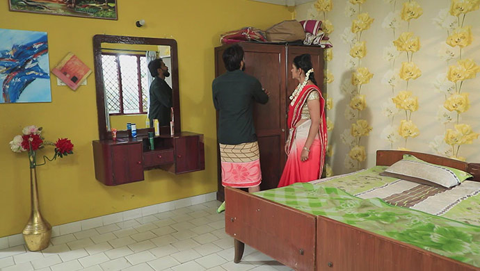 Soorya Tries To Convince Hiranmayi That He Is Blind