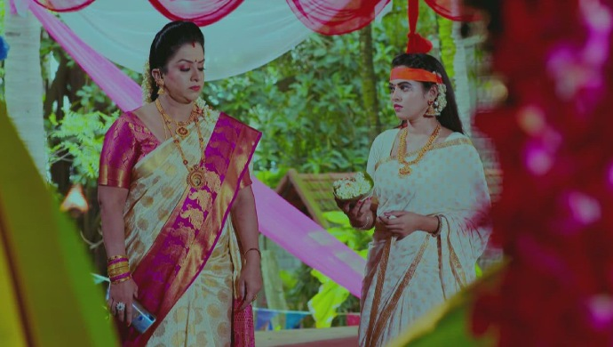 A Still Of Suhasini And Aarthi