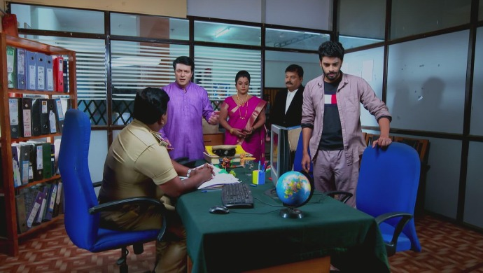 A Still Of The Inspector, Sridhar, Suhasini, The Lawyer And Vicky