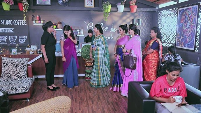 Tara Slaps Kamali Across The Face In Front Of Her Friends