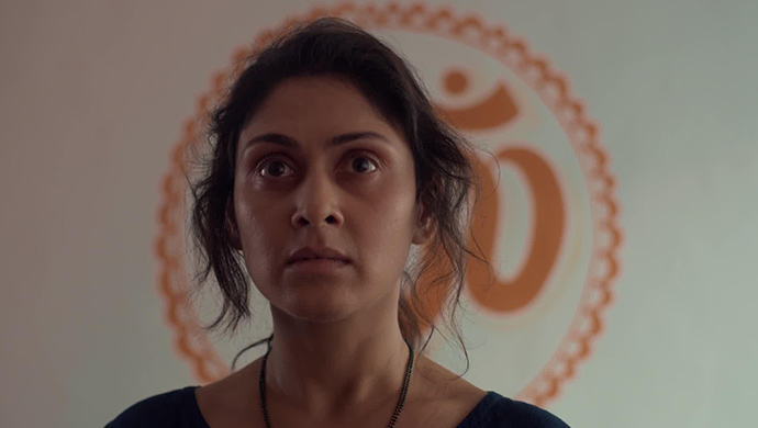 5 Flawless Scenes Of Manjari Fadnis In The ZEE5 Original Barot House That're Emotional