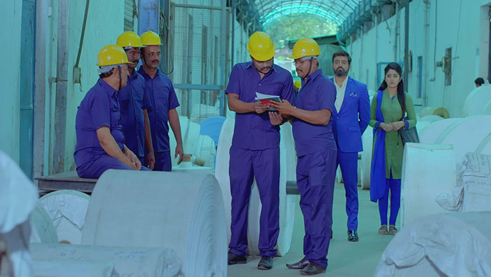 A Still Of Aaryavardhan And Anu Paying A Surprise Site Visit