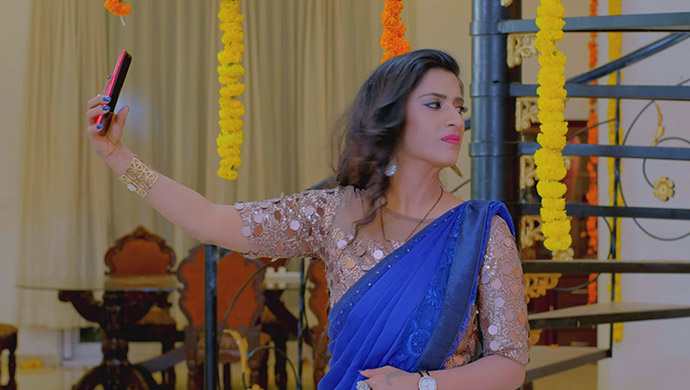 Jothe Jotheyali: 5 Reasons Why Mansi Is The Ultimate Entertainer In The Show!