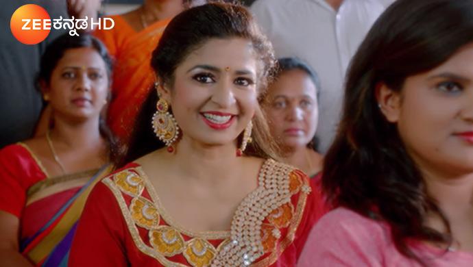 A Still Of Hostess Sushma Rao