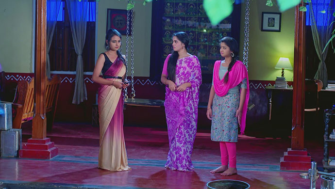 A Still Of Sarika, Aarthi And Adithi