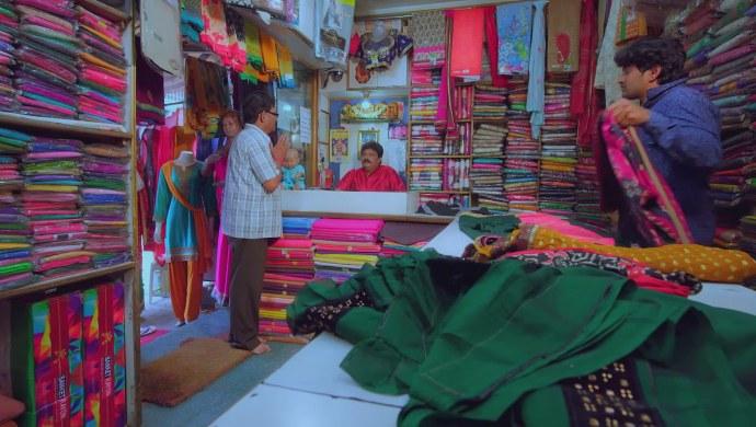 A Still Of Subbu At The Saree Shop