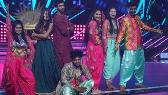 Dance Karnataka Dance Family War 2 - Family Round - 17