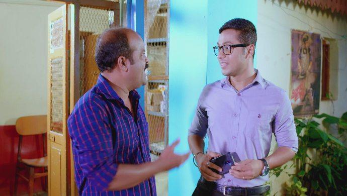 Sampath tells Raghupathi not to pick on Ramya