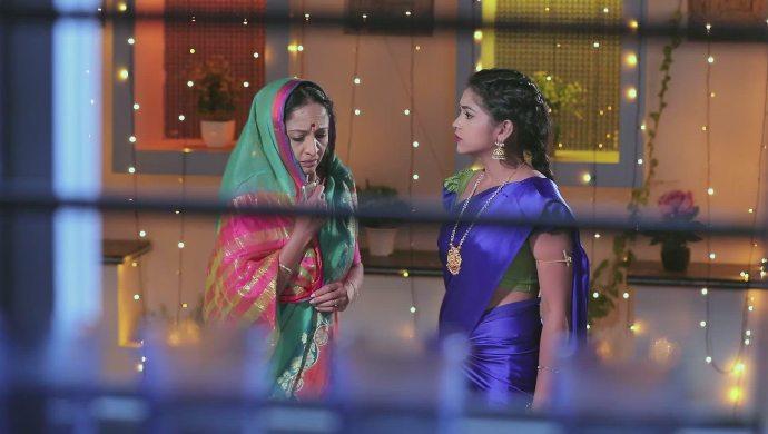 Gauri feels a sense of relief when Kamali tells her the truth