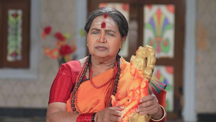 Devi rejects the idol that Maya brings