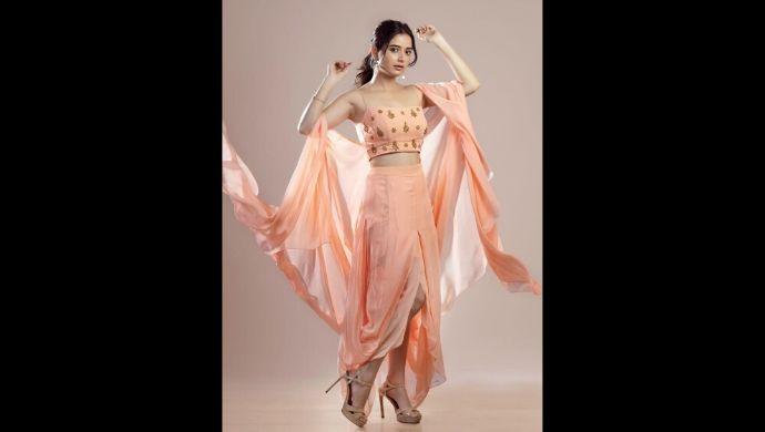Ashika Ranganth's classy look