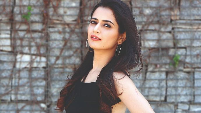 5 Hairdos Inspired By Ashika Ranganath That You Must Try This Valentine's Day