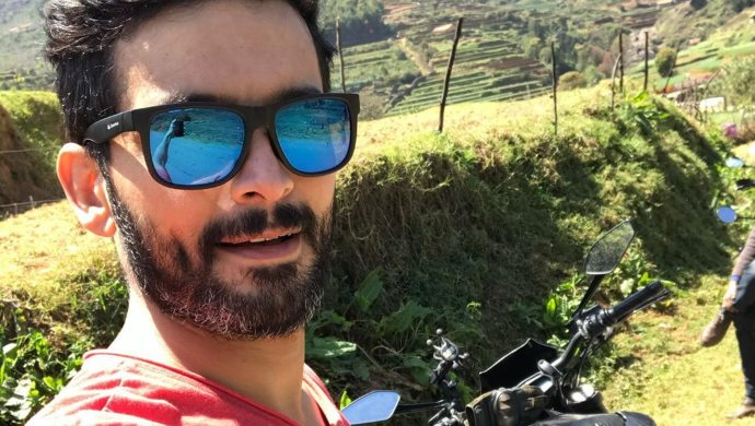 Diganth takes a fun selfie