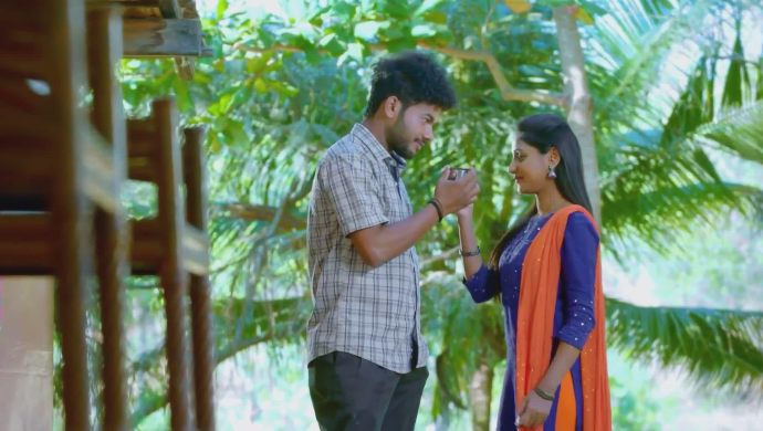 Preethu and Janani have a romantic moment