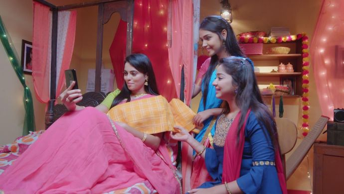 They show Adya and all Aarthi's saree for the next day