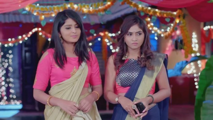Who Do You Think Is A Better Vamp In Gattimela — Sarika Or Sahithya?