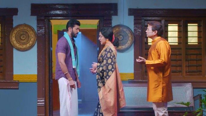 Adi visits Akhila and Raghu