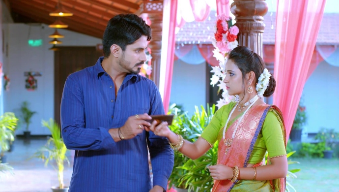 Gattimela 17 March 2020 Written Update: Amulya Shows Aarthi's Kidnapping Video To Vedanth