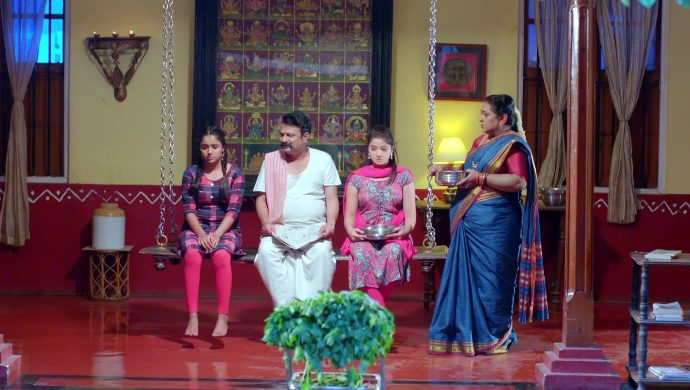 Gattimela 31 March 2020 Written Update_ Aarthi And Vikranth Spend Their First Night (1)
