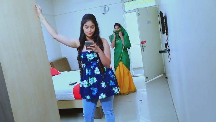 Kamali goes to reveal Nanditha's truth
