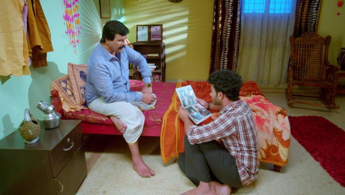 Preethu thinks of confessing his love for Janani