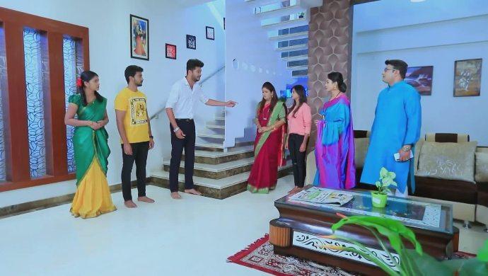 Rohit reveals the truth to Tara