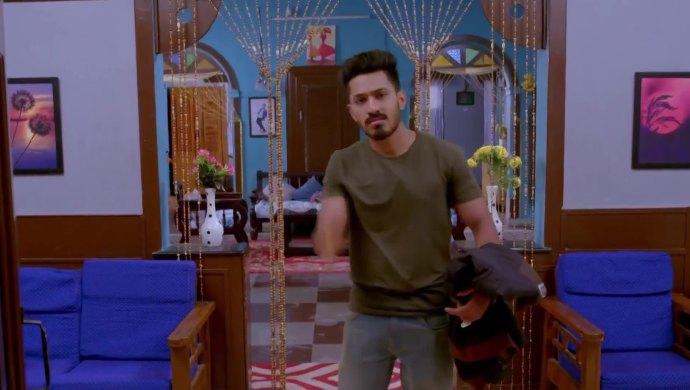 Trishul decides to go to Digvijay's house