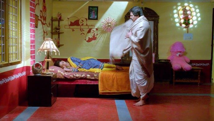 Veerayya comes to check on Janani