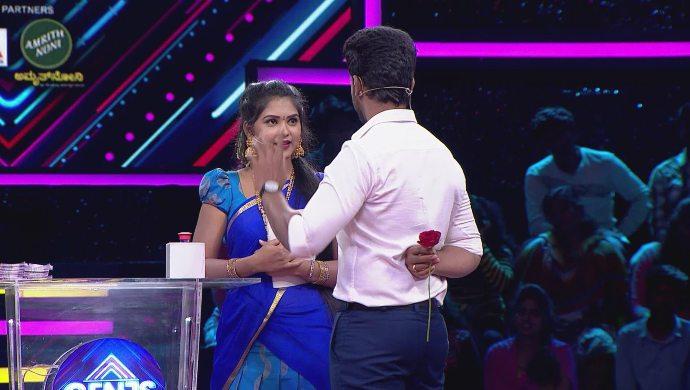 A cute moment between Kamali and Rishi