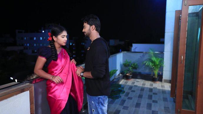 A romantic moment between Kamali and Rishi