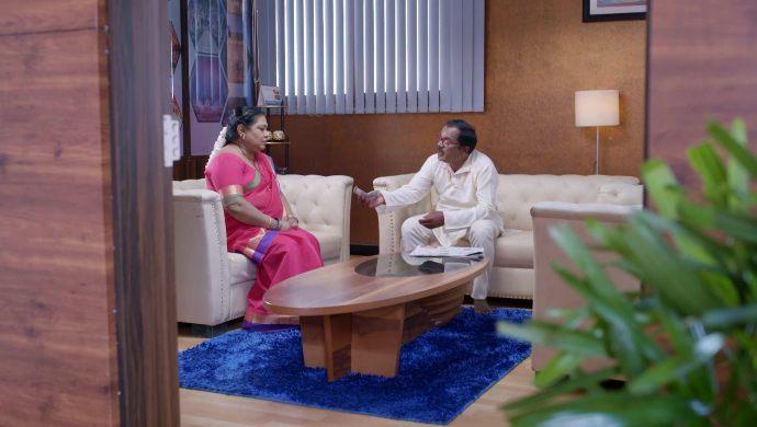 Gattimela 08 April 2020 Written Update_ Sahithya Confronts Amulya (1)