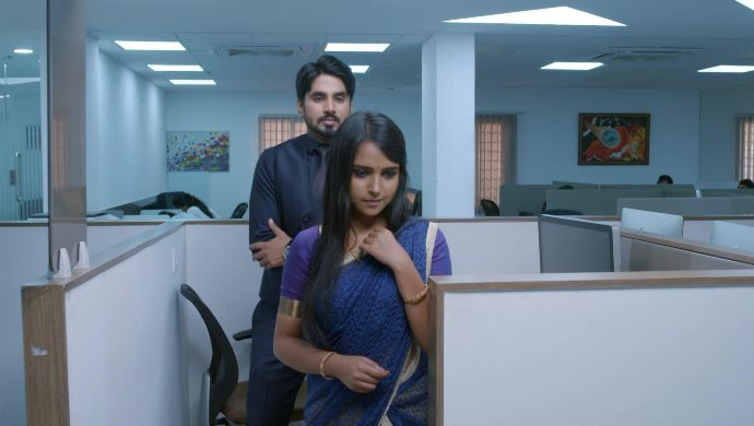 Gattimela 10 April 2020 Preview_ Vedanth And Amulya Share A Romantic Moment At The Office