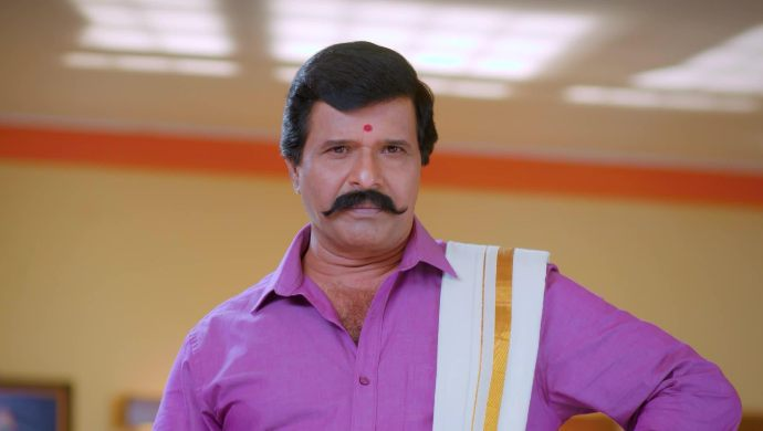 Veerayya decides to search for Paaru and Adi
