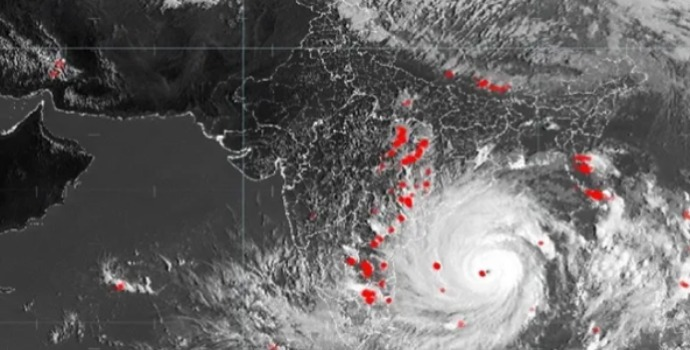 Odisha And West Bengal Start Evacuating People Due To Cyclone Amphan