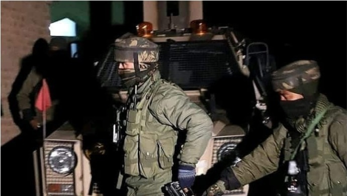 Search Continues For Militants in Srinagar's Nawakada After Late-Night Encounter