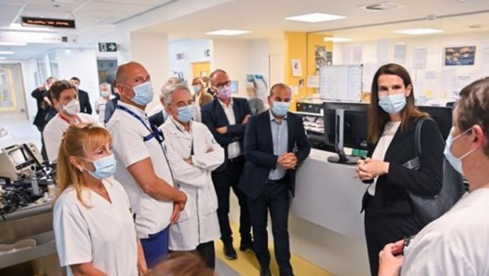 Medics Turn A Cold Shoulder Towards Belgium Prime Minister Sophie Wilmès