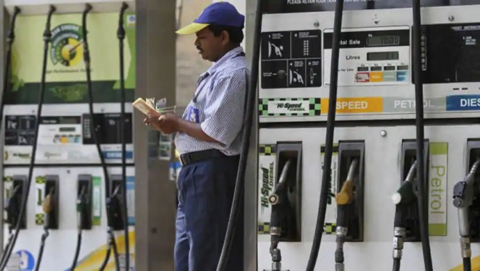 Fuel Price Hiked For 11th Consecutive Day Leaving Delhi Commuters In Distress