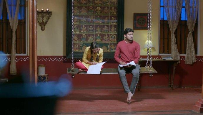 Druva helps Anju study