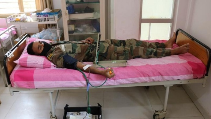 Indian Army Jawans Donate Blood In Srinagar After Learning About Shortage